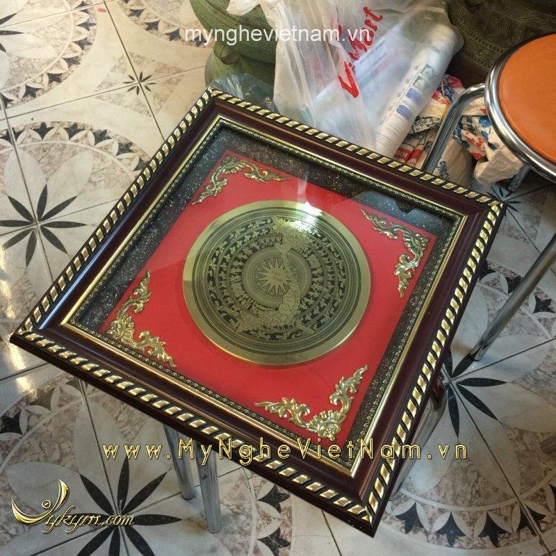 Tranh mặt trống đồng ăn mòn quà tặng văn hóa Việt Nam