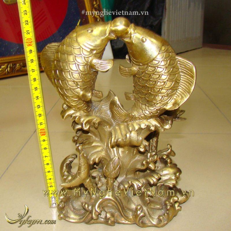 tượng cá chép nhả ngọc cao 23cm