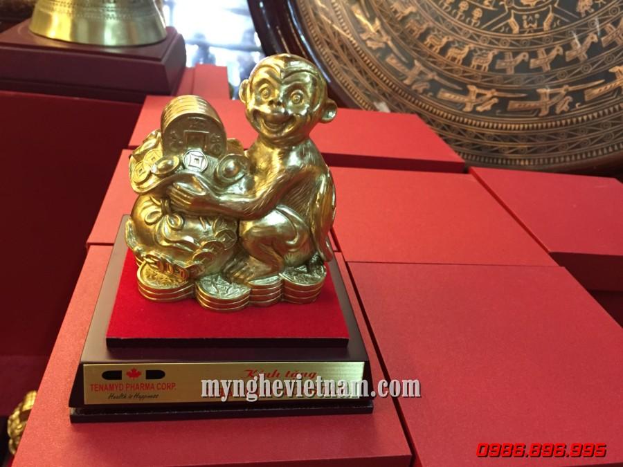 Tượng khỉ đồng để bàn làm quà tặng cao cấp
