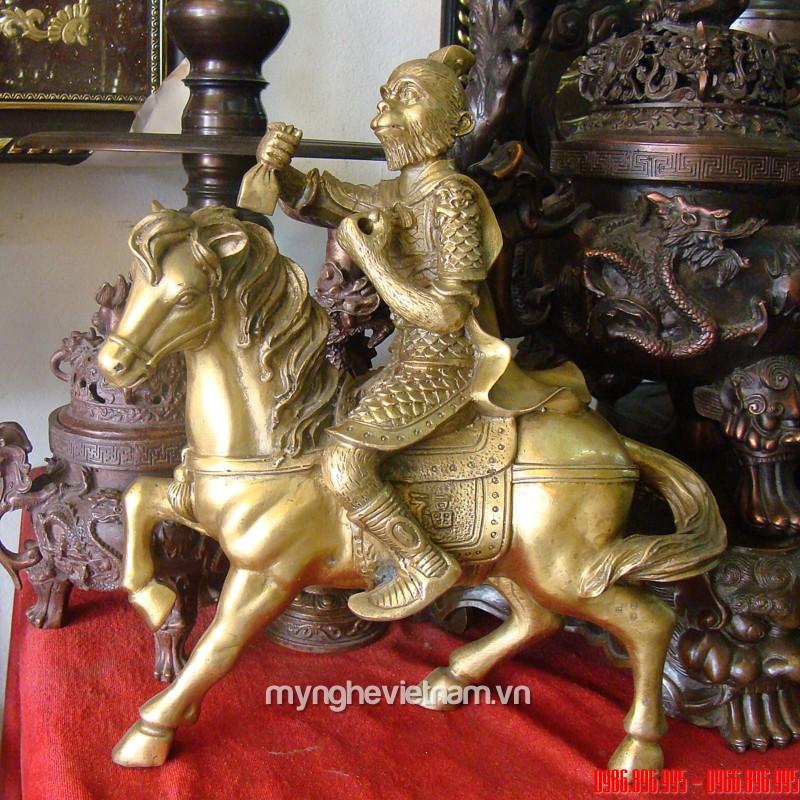 Tượng khỉ cưỡi ngựa phong hầu cao 20cm bằng đồng0