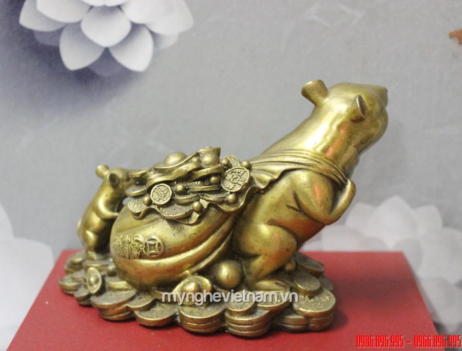 Tượng chuột mẹ con kéo tiền bằng đồng dài 18cm