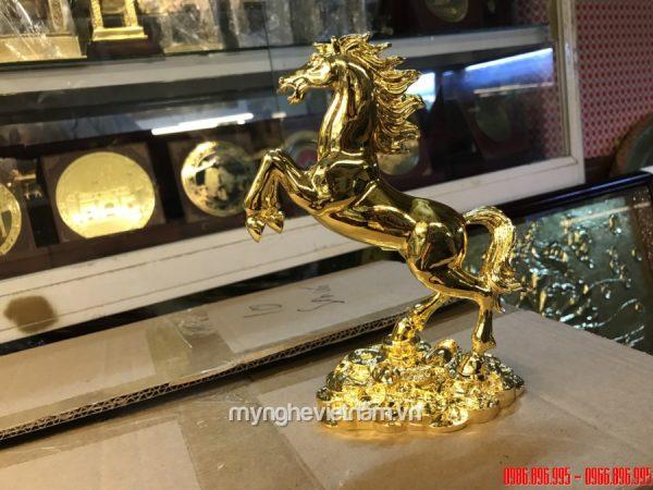 Tượng ngựa đồng mạ vàng cao 20cm làm quà tặng