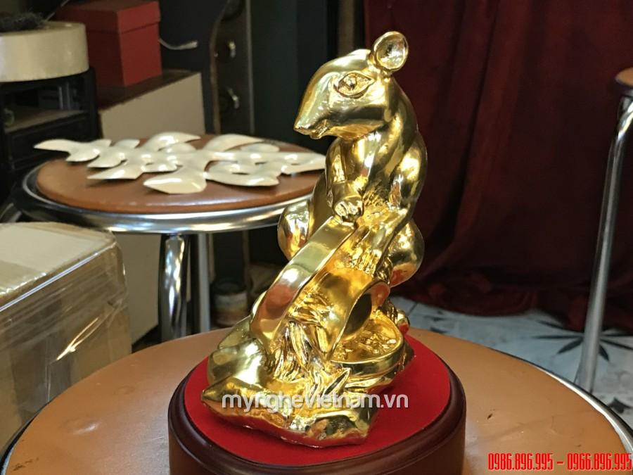 Tượng chuột đồng phong thủy ôm tiền mạ vàng cao 15cm