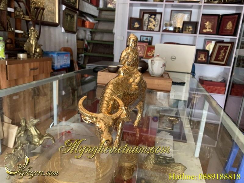 Tượng mục đồng cưỡi trâu đọc sách cao 25cm mạ vàng