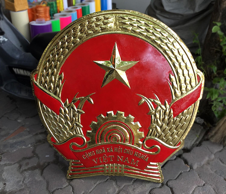 Sản xuất Quốc huy bằng đồng 1m0