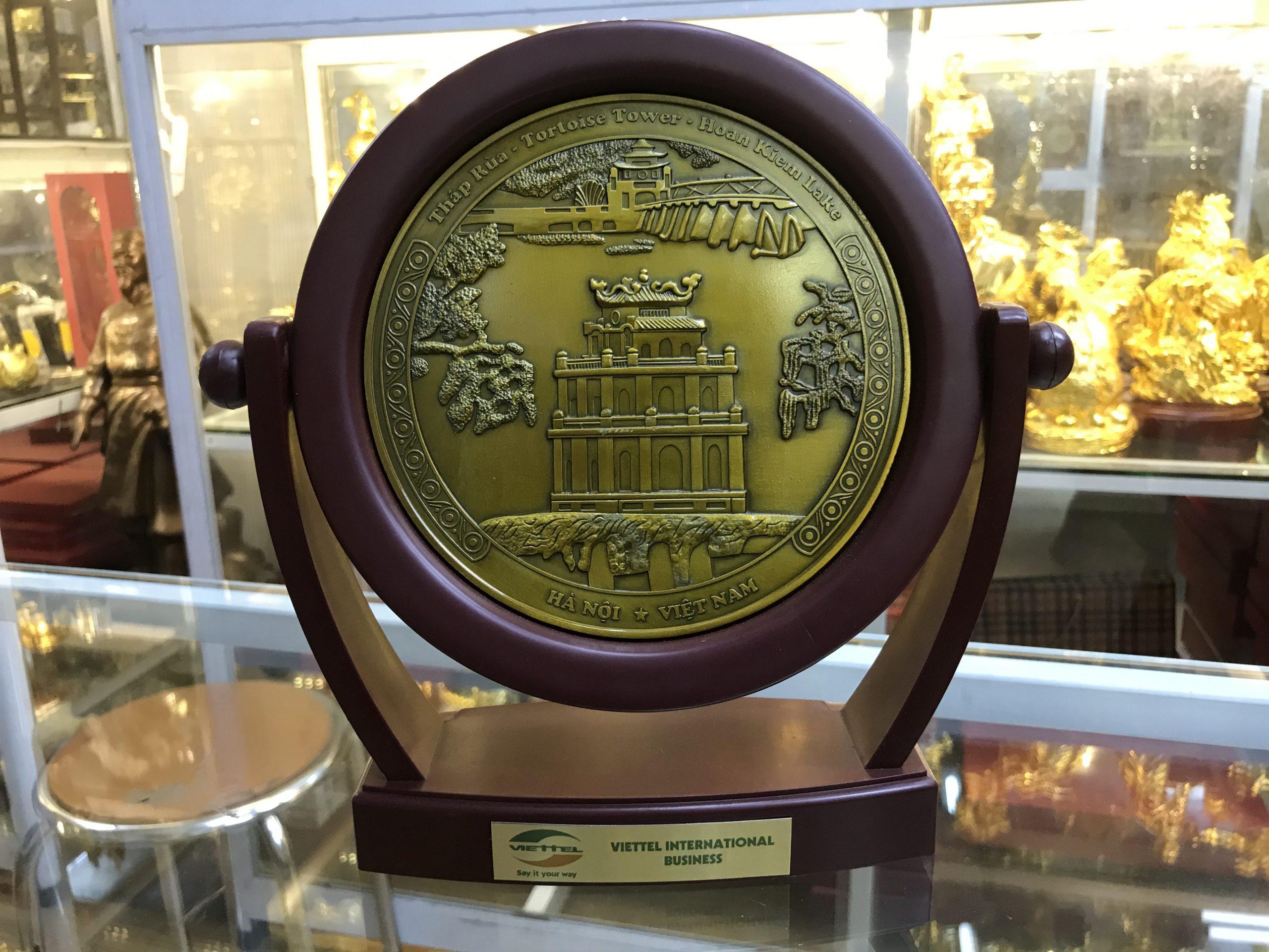 Đĩa xoay quà tặng mặt tháp rùa hồ gươm 16cm0