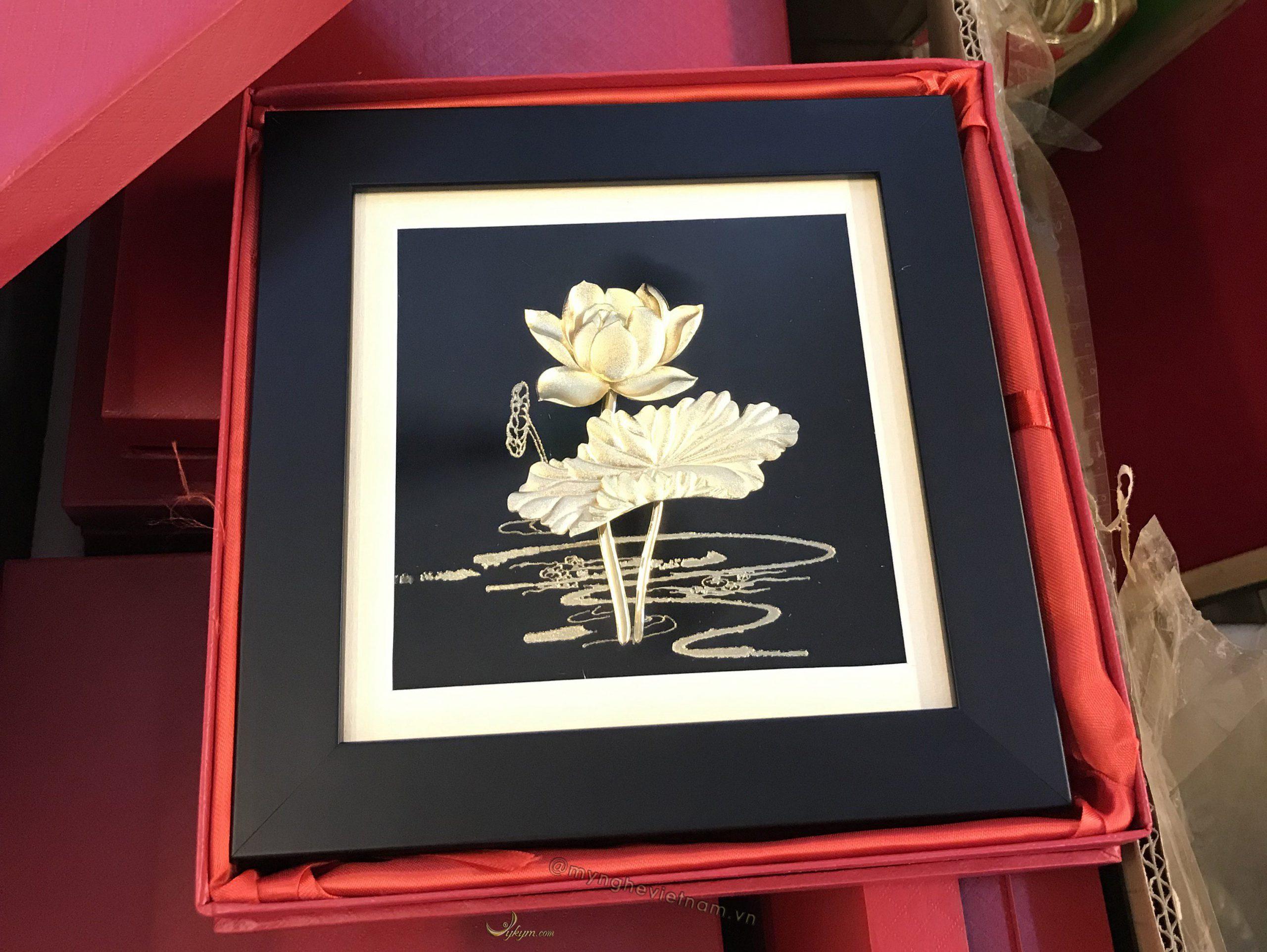 Tranh quà tặng hoa sen 24k0