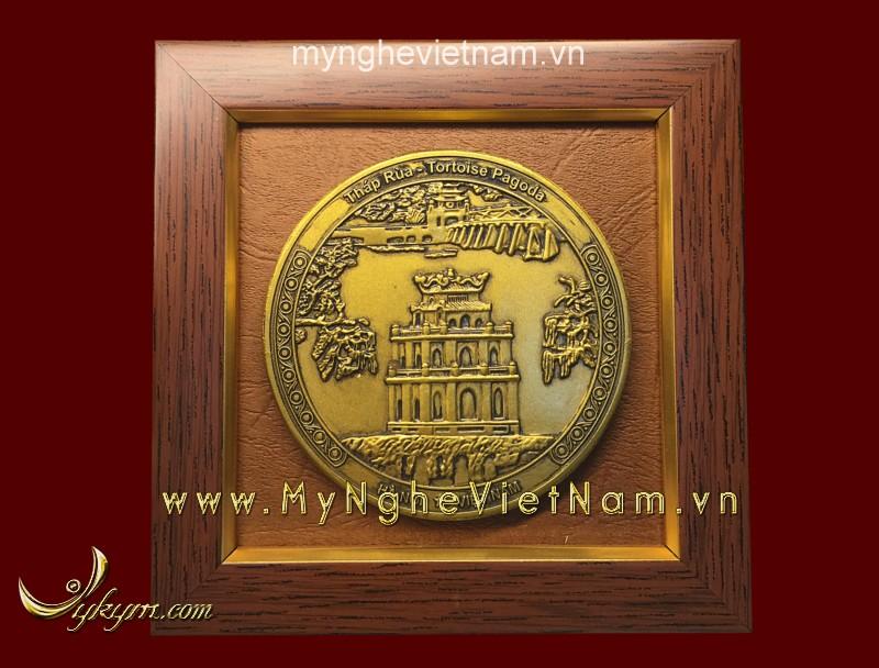 Tranh quà tặng mặt đồng tháp rùa 15 x15 cm0