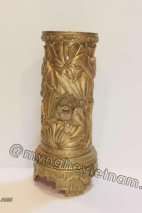 Bình hoa sen Thuận Thiên đúc đồng vàng nguyên khối0