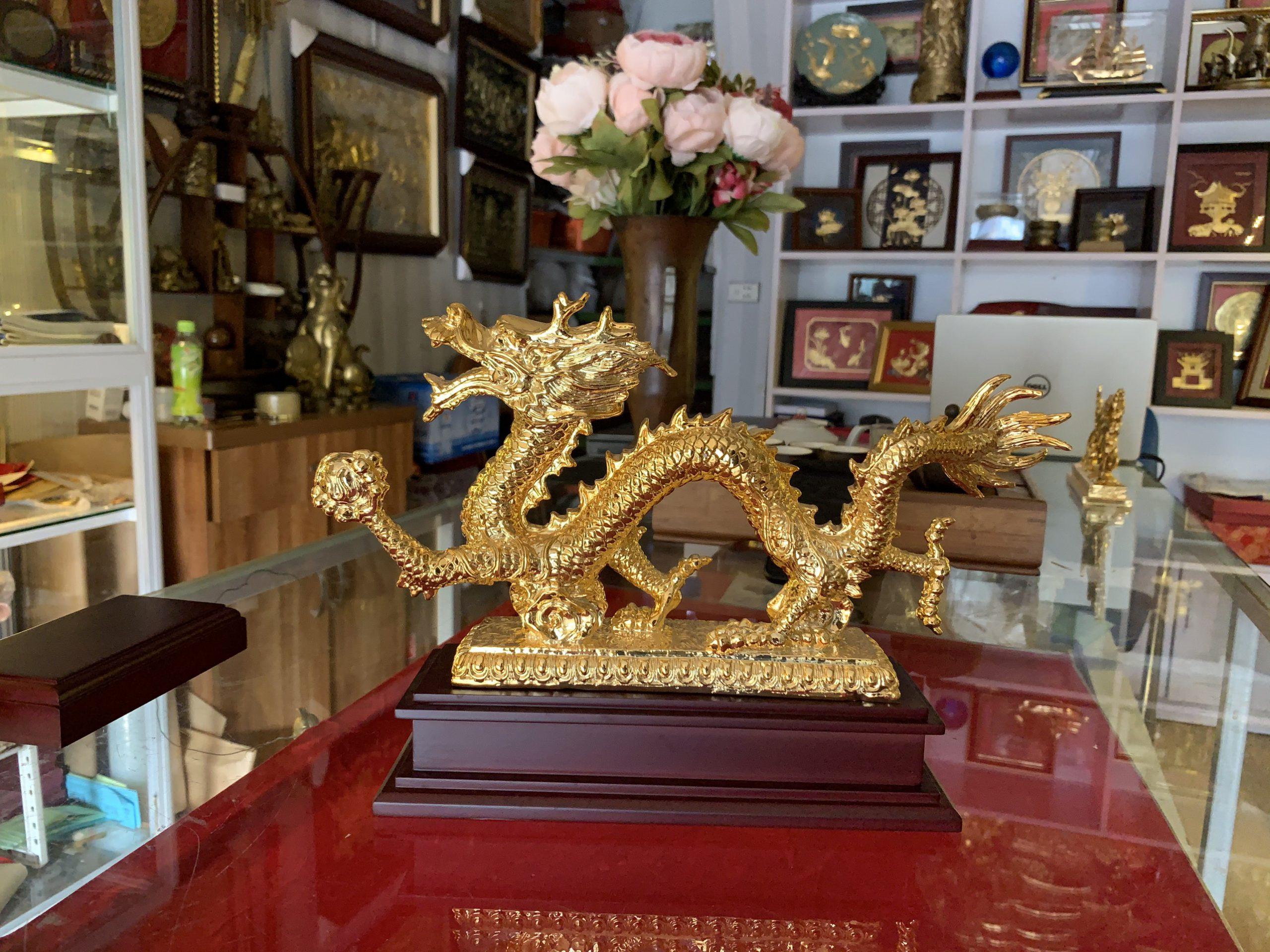 Quà tặng rồng vàng cầm cầu 20cm0